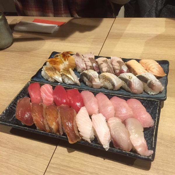 すし食べ放題!!!